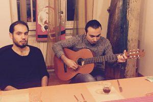 Yazan mit Gitarre